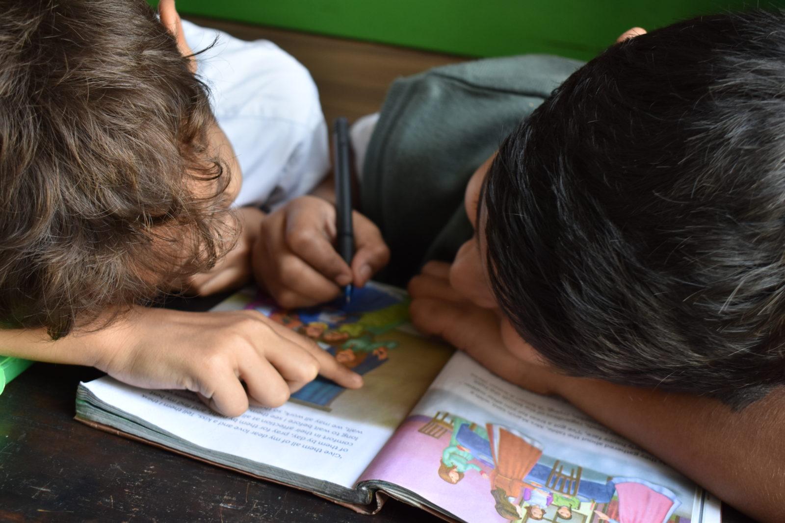 Escuela de Padres: Crea experiencias memorables para reforzar destrezas educativas en casa.