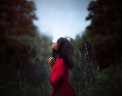 Reflexiones de Esperanza: Dios nos habla en medio de las crisis y de las tribulaciones (Parte VII) – El clamor del ser humano y las respuestas de Dios
