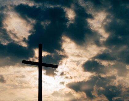 Reflexiones de Esperanza: Dios nos habla en medio de las crisis y de las tribulaciones (Parte VIII) – El Salmo 91 habla de la Cruz de Cristo